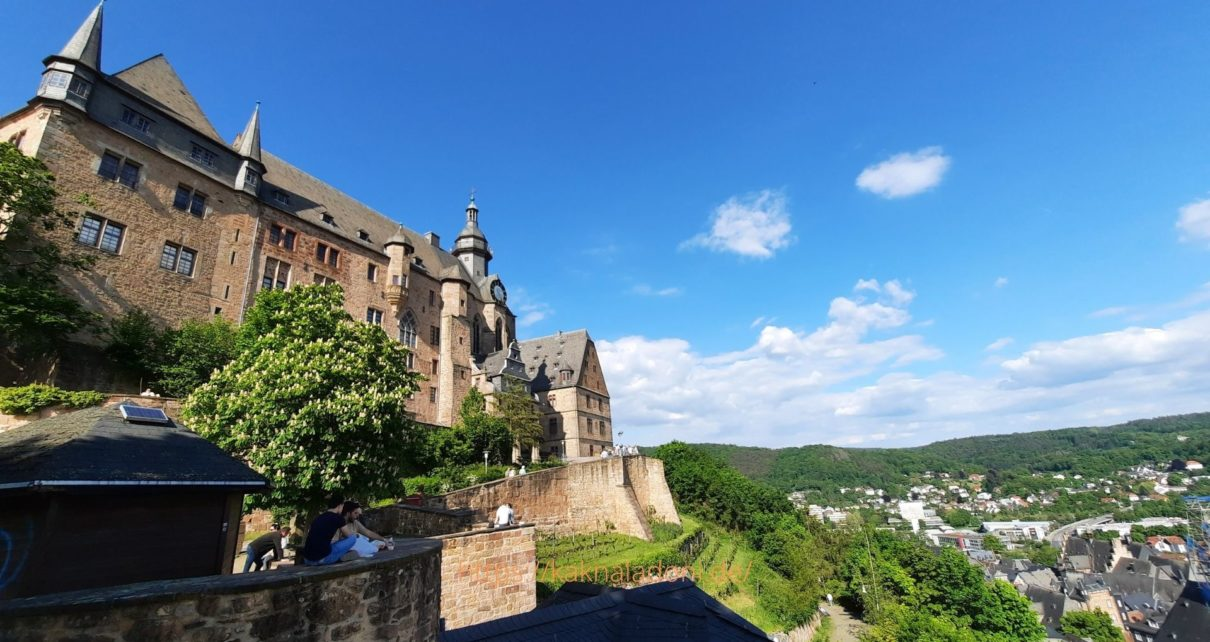 Вид на Марбургский замок